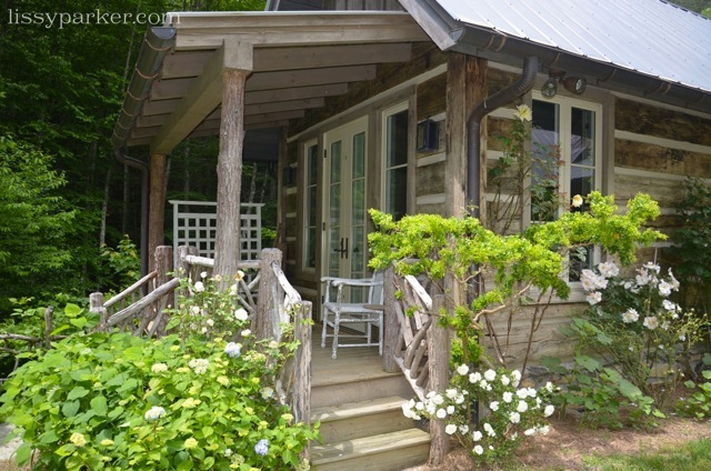 Guest have a private porch and garden
