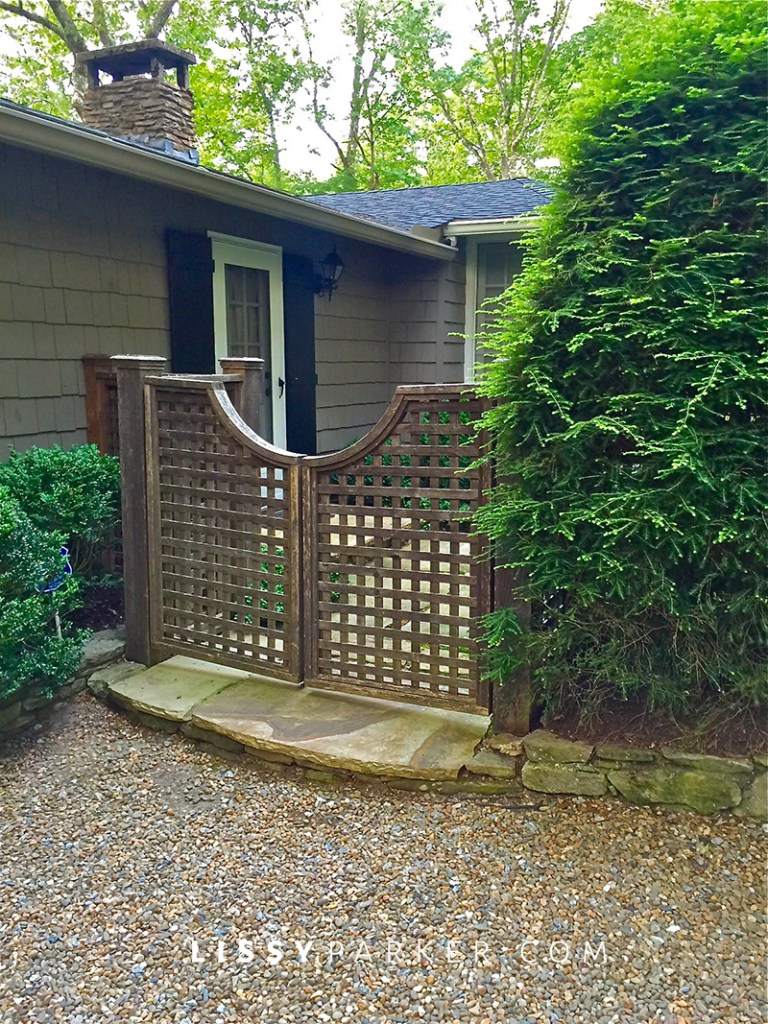 house crush lattice gate welcomes guest