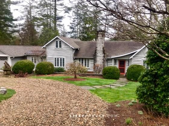 House Crush log cabin