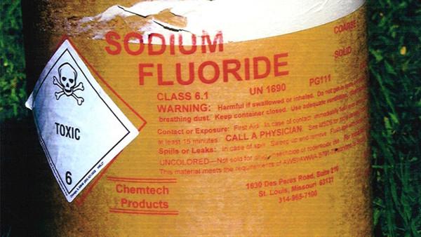 8 Potentially Dangerous Ingredients in Your Toothpaste - ListAmaze