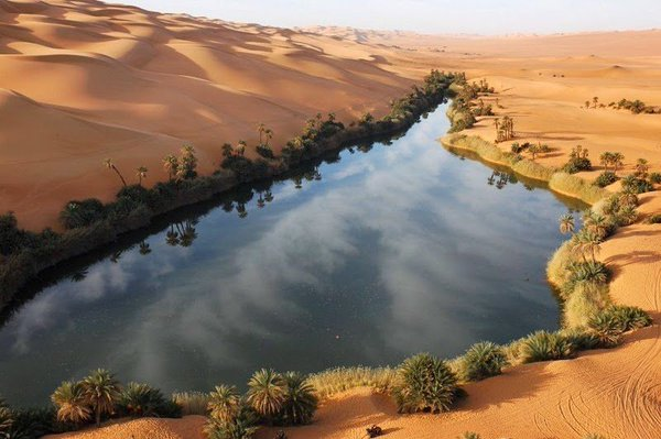 10 Most Beautiful Desert Oases In The World - ListAmaze