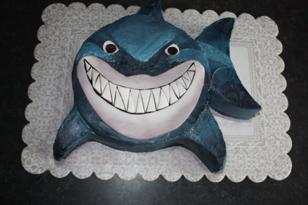 20 Killer Shark Cakes, Bruce the Shark