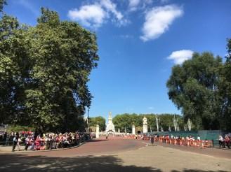 Troca da guarda em frente ao Palácio de Buckingham