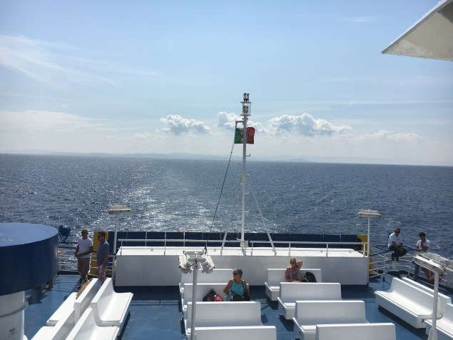 Travessia de ferry da Sardenha para Córsega