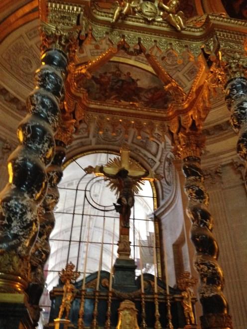 Interior da Église du Dôme