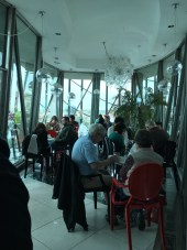 Bar no terraço da Dancing House