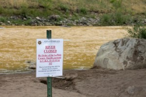 Warning to the public of the polutted Animas River