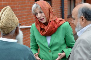 this-is-how-theresa-may-dealt-with-british-muslim-2-9412-1468492543-1_dblbig