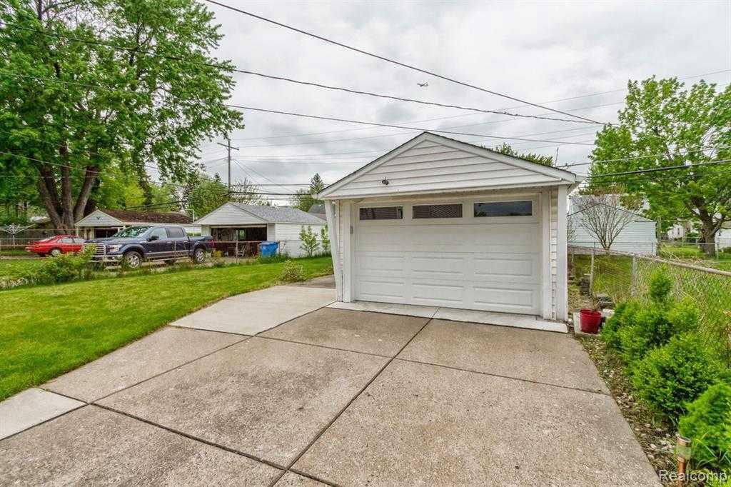 MLS 460605533  24692 Colgate St Dearborn Heights MI 48125  Cheryl Clossick  Real Estate One