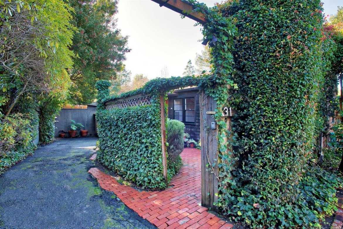 $2,200,000 - 4Br/3Ba -  for Sale in Mill Valley