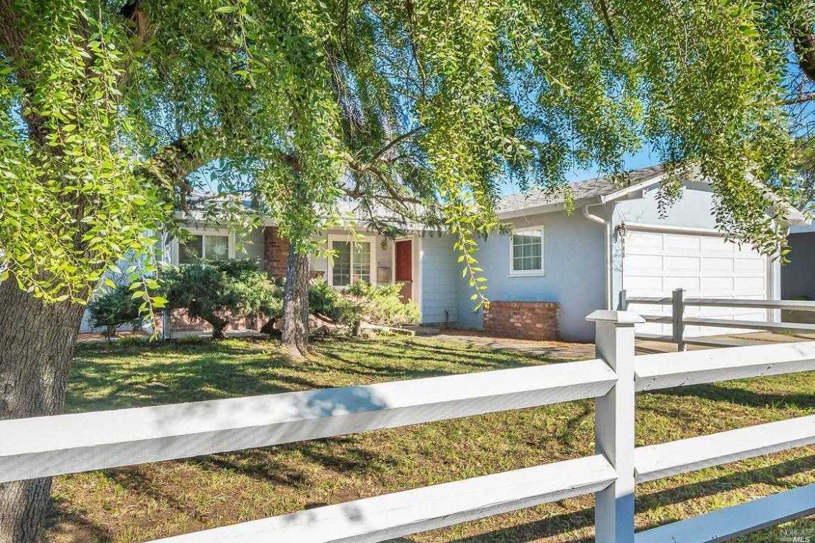 $1,250,000 - 5Br/3Ba -  for Sale in Sutton Manor, Mill Valley