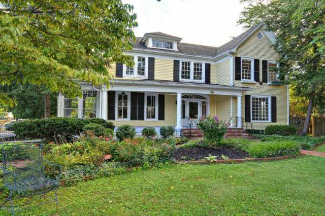 $379,895 - 3Br/3Ba -  for Sale in None, Louisville