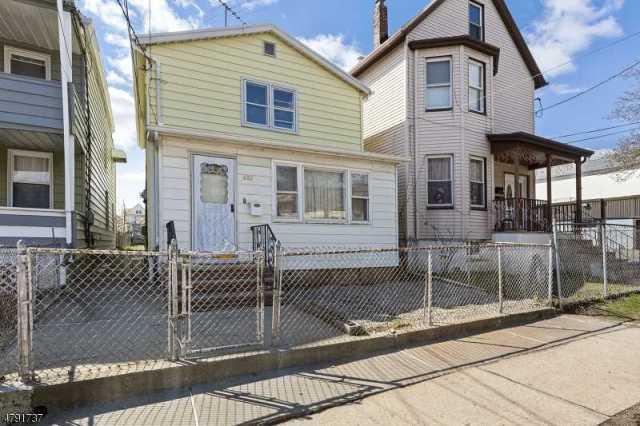 $180,000 - 3Br/1Ba -  for Sale in Elizabeth City