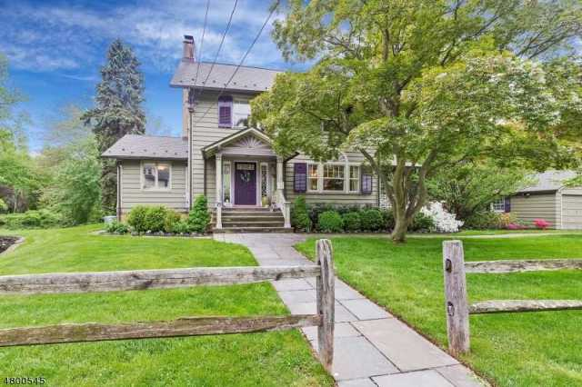$799,000 - 4Br/3Ba -  for Sale in Cranford Twp.