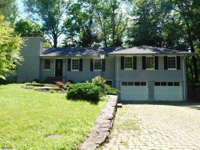 $359,000 - 4Br/3Ba -  for Sale in Delaware Twp.