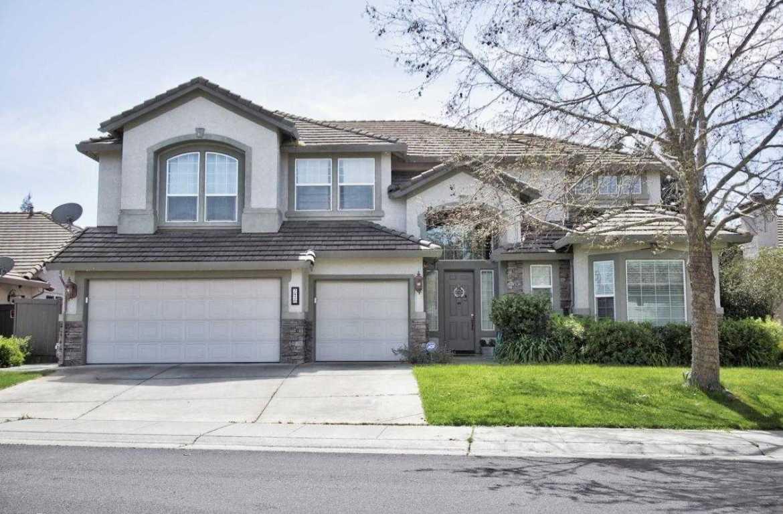 $699,000 - 5Br/5Ba -  for Sale in Laguna Stonelake, Elk Grove