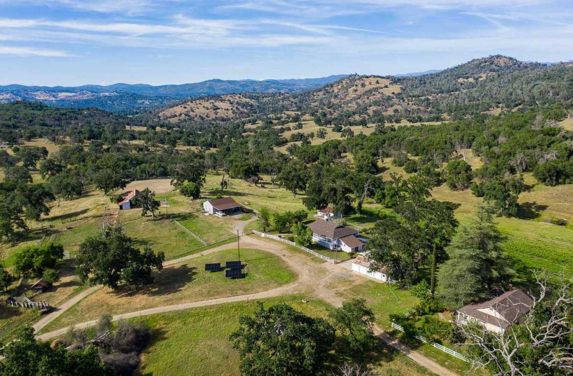 $3,650,000 - 3Br/2Ba -  for Sale in Mariposa