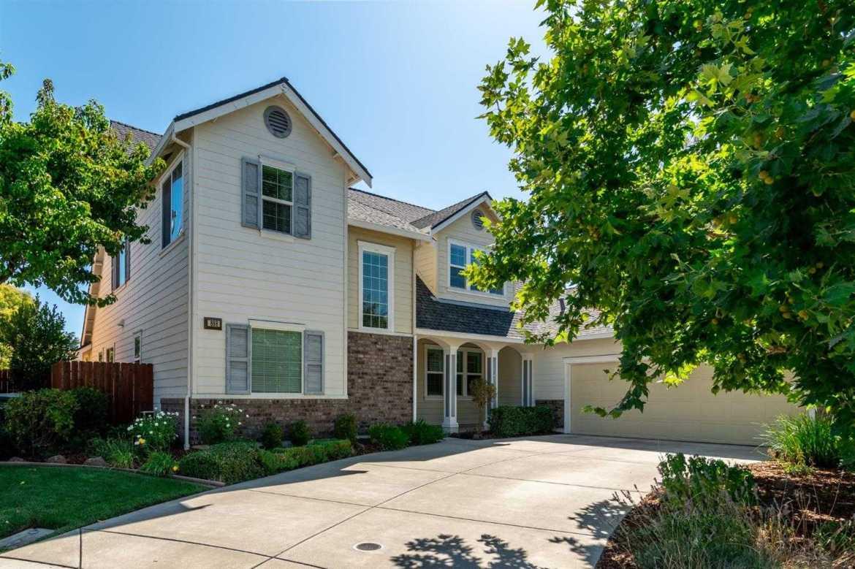 $788,800 - 4Br/3Ba -  for Sale in Sacramento