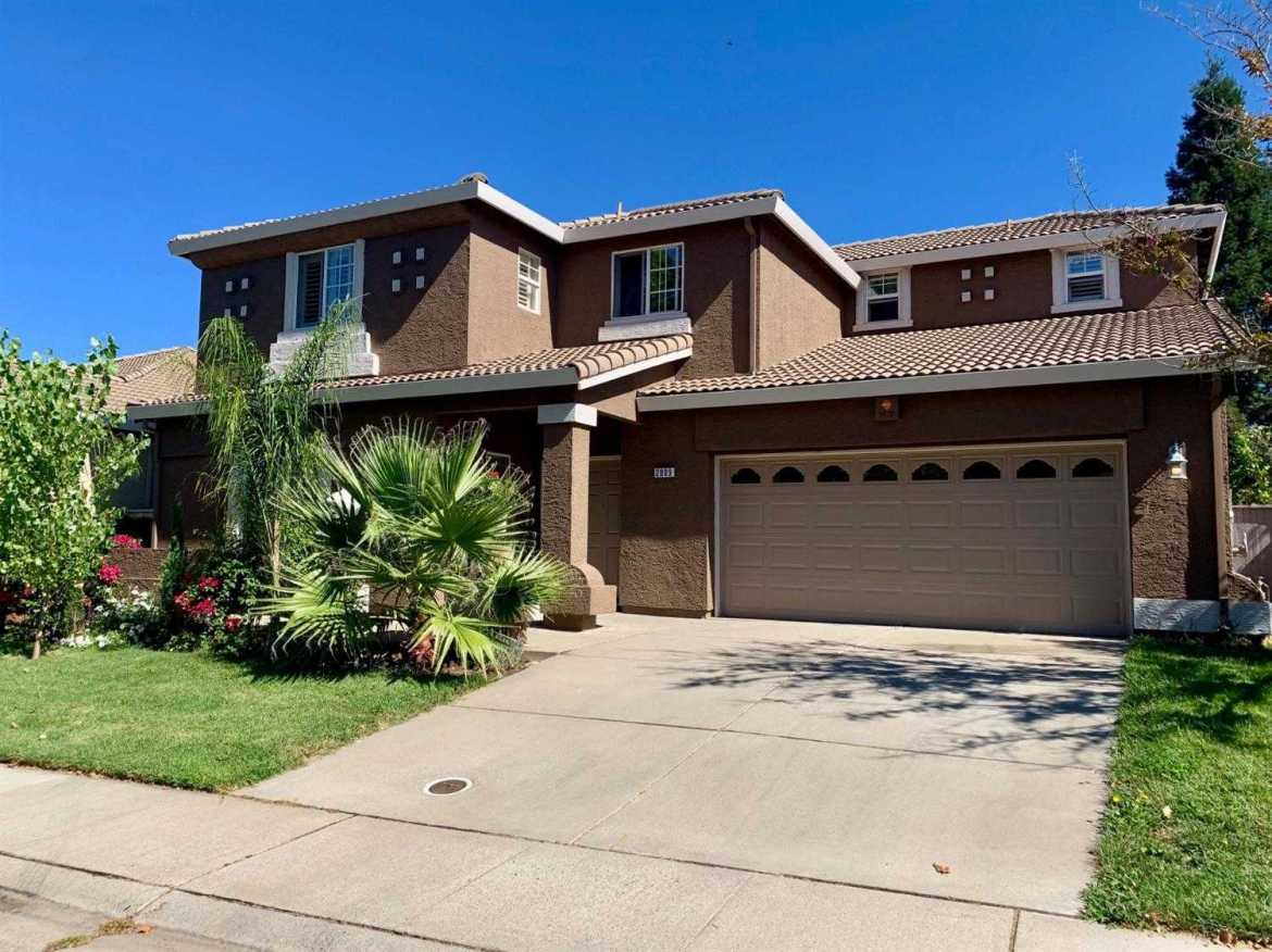$550,000 - 4Br/3Ba -  for Sale in Elk Grove