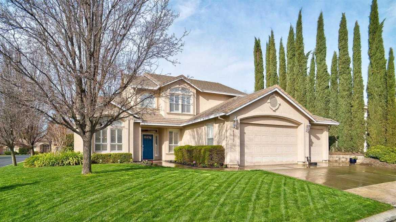 $739,000 - 4Br/3Ba -  for Sale in Winding Way Village, Fair Oaks