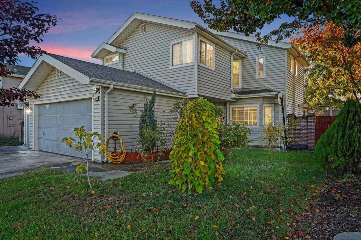 $389,999 - 3Br/3Ba -  for Sale in Sacramento