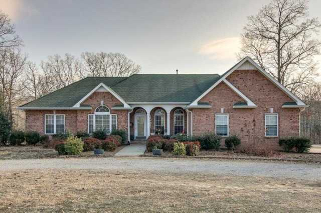 $425,000 - 3Br/3Ba -  for Sale in N/a, Dickson