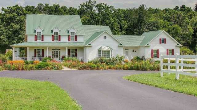 $1,195,000 - 4Br/6Ba -  for Sale in N/a, Dickson