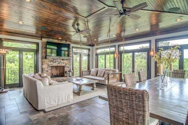 $1,249,900 - 6Br/6Ba -  for Sale in Chevoit Hills, Brentwood