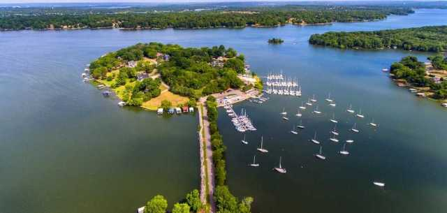 $1,347,000 - 3Br/3Ba -  for Sale in Harbor Island, Old Hickory