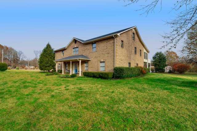 $715,000 - 3Br/3Ba -  for Sale in Cheatham Lake-sycamore, Ashland City