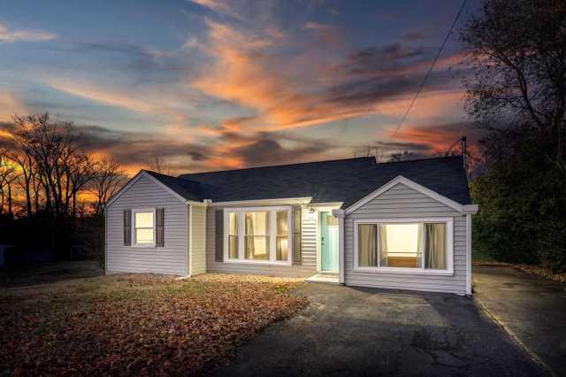 $245,000 - 3Br/1Ba -  for Sale in Colonial Village, Nashville