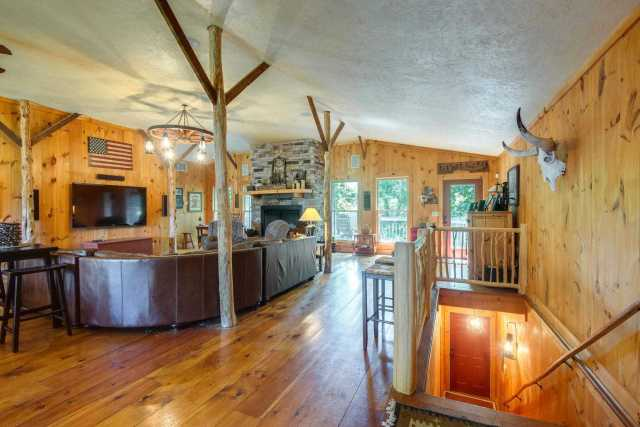 $3,600,000 - 2Br/2Ba -  for Sale in None, Brentwood