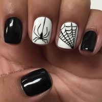 Halloween Nail Art Spider Web