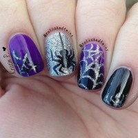 40+ Cute and Spooky Halloween Nail Art Designs