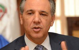 Peralta afirma Gobierno respeta opiniones de la Iglesia Católica