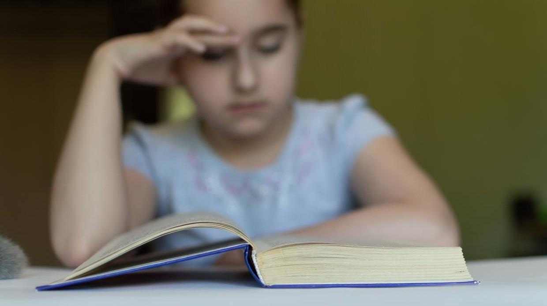 Lo que el «jet-lag escolar» puede provocar en el aprendizaje y la conducta de tu hijo