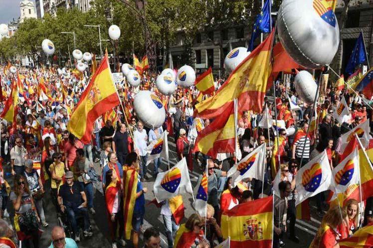 Miles de personas marchan en Barcelona por la unidad de España