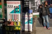 NY demanda 22 tiendas online por vender cigarrillos electrónicos a menores