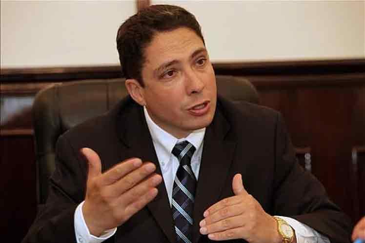 Ministro de Justicia de Bolivia considera opción de apostar por paz