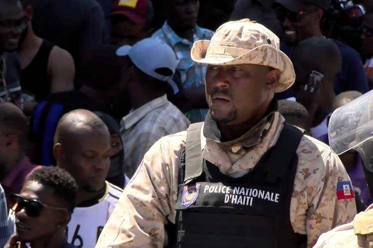 Policías de Haití repetirán marcha por mejores condiciones laborales