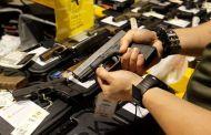 Gobernador presenta propuesta de ley para frenar venta de armas de fuego