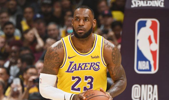 "LeBron James aporta ""triple doble"" y los Lakers doblegan a Nets"