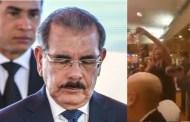 Otro momento vergonzoso para el PLD; abuchean nuevamente al presidente Danilo Medina al ser mencionado en un acto (VIDEO)