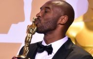 """""""Querido baloncesto"""", el sentido poema con el que la leyenda de la NBA, Kobe Bryant, ganó un Oscar"""