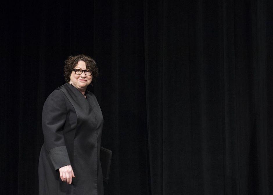 La jueza Sotomayor acusa a sus colegas de la Suprema Corte de ceder a las políticas de Trump