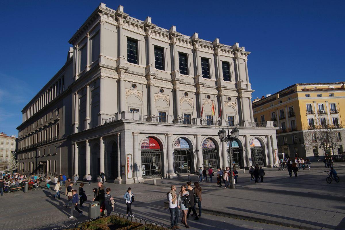El Teatro Real y el Liceu comparten sus archivos gratis en internet