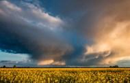 Captan impresionantes superceldas en los cielos de Kansas a puertas de una temporada anormal de huracanes en EE.UU.