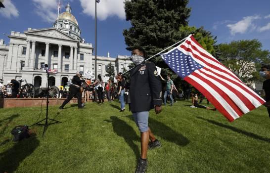 Efectúan disparos en protesta en Denver por muerte de Floyd