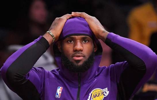 """LeBron James rechaza exceso de fuerzas del orden y escribe un mensaje; """"¿Entiendes ahora?"""""""