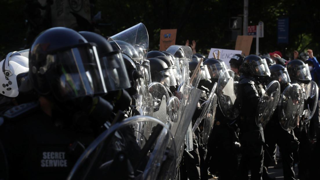 La alcaldesa de Washington se indigna por los procedimientos policiales al dispersar a los manifestantes con gases lacrimógenos